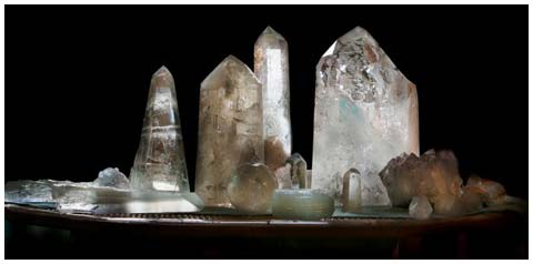 172276 - • MAGIA DOS CRISTAIS Função Terapêutica, Magia Cristalina, utilização das pedras em rituais mágicos e técnicas de desenvolvimento psíquico para Riqueza, Saúde, Prosperidade, Amor e Proteção.